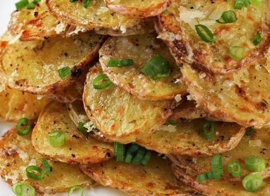 Crispy Garlic Parmesan Potatoes