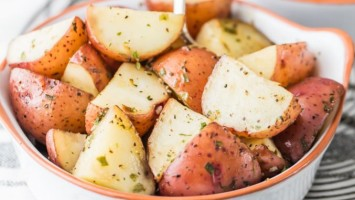 Garlic Ranch Crock Pot Potatoes