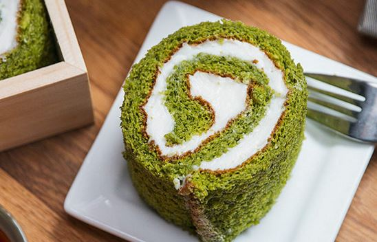 ... need to make these delicious Matcha Green Tea Swiss Rolls on Page 2