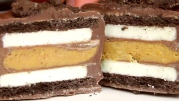 Chocolate Covered Reese's Stuffed Oreos